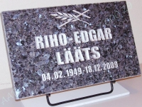 Hauaplaat 0150 50x30x3cm sinine parl graniit, pilt-23, kiri-23 hõbedavärv, metallist alus