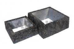 Квадратная ваза из мытого бетонаa, 300x300x120 ja 400x400x160, с пёстро-чёрным щебнем (Р101)