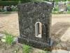 Hauakivi [056-1-15 M2A] 70x80x15cm, Poleeritud Poleeritud Poleeritud, peal laine, pronksist latern 14x32cm
