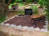 Hauapiire paekivist, 10cm (1 rida), 2 hauakohta, lillenurk, muld, graniitkillustik, pink, hauakivi (a)