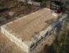 Hauapiire paekivist, 10cm x 2 rida, 1 hauakoht (laius 125cm, pikkus 250cm), liiv, vaas mullaga, hauakivi