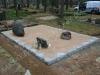 Hauapiire paekivist, 15cm x 1 rida, 3 hauakohta, vaas, muld, liiv, hauakivi (c)