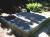 Hauapiire paekivist, 15cm x 2 rida, 2 hauakohta (laius 250cm, pikkus 250cm), lillenurk mullaga, graniitkillustik