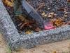 Hauapiire pesubetoonist lego, hall kild ja hall tsement, 1 hauakoht (laius 125cm, pikkus 250cm), serva laius 13cm, graniitkillustik must