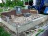 Hauapiire graniidist, eriprojekt Paldiski kalmistul, vundament valmis, graniidist detailide paigaldamine (05)