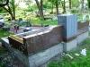 Hauapiire graniidist, eriprojekt Paldiski kalmistul, vundament valmis, graniidist detailide paigaldamine