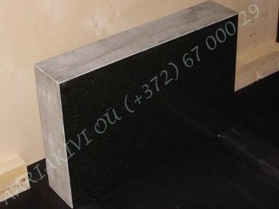 Hauakivi 024 60x40x12cm Poleeritud Saetud Saetud must graniit