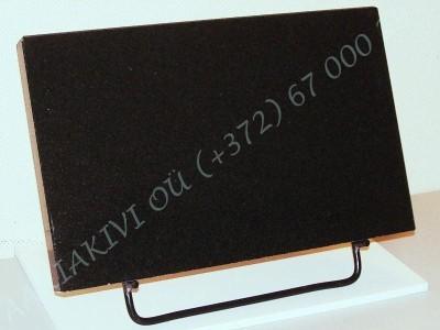 Hauaplaat 0100 40x25x3cm must graniit, poleeritud servad, metallist alus