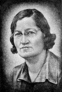 AARIAKIVI hauakivid portree graniidil naine prillidega