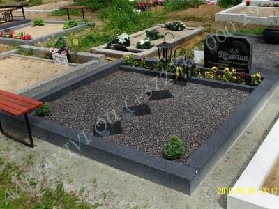 Hauapiire lihvitud betoonist-must kild, must tsement 2 hauakohta laius-250cm, pikkus-250cm, serva laius-15cm, madal päis, sirge lilleriba, muld, graniitkillustik tume mix