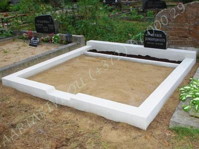 Klassikaline betoonrant 2 hauakohta laius-250cm, pikkus-250cm, serva laius-15cm, kõrge päis, sirge lilleriba, muld, liiv b