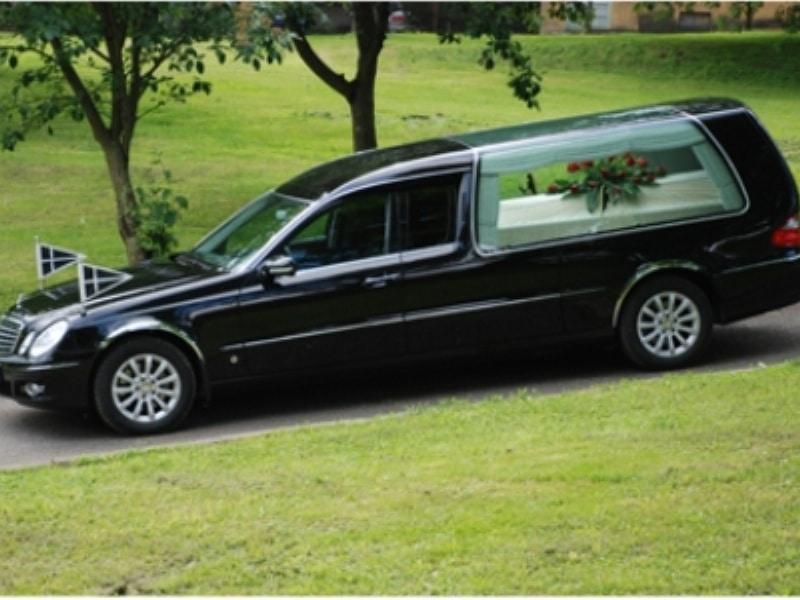 Matusebüroo Kristin-matusekeskus Maardu kalmistul-matuseauto mb uus