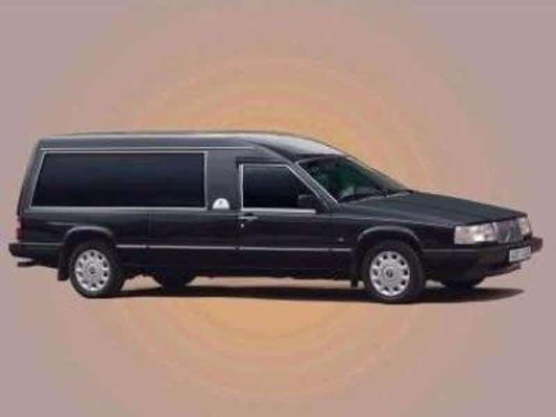 Matusebüroo Kristin-matusekeskus Maardu kalmistul-matuseauto volvo
