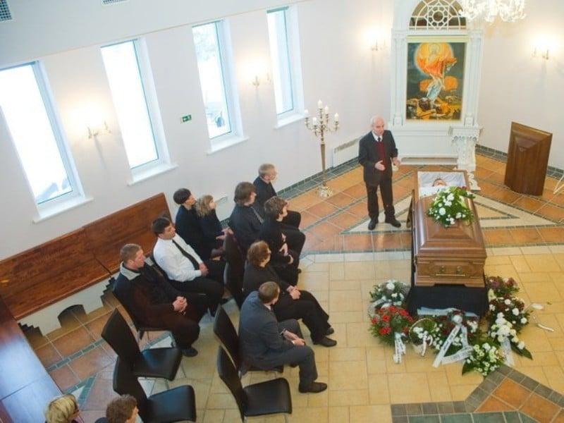 Matusebüroo Kristin-matusekeskus Maardu kalmistul-leinasaal kuni 100 inimesele