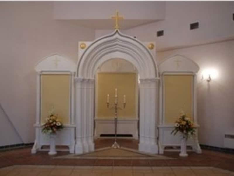 Matusebüroo Kristin-matusekeskus Maardu kalmistul-leinasaali ortodoksi altar kuni 100 inimesele